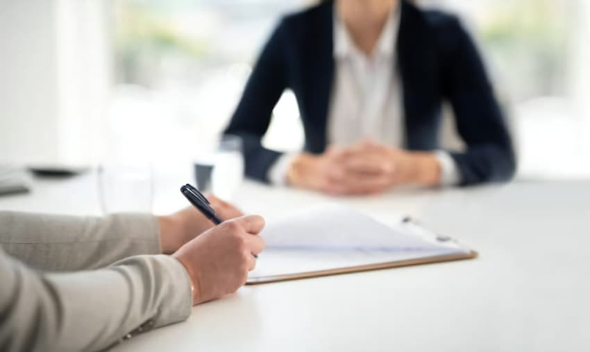 行政書士と見込み顧客の商談